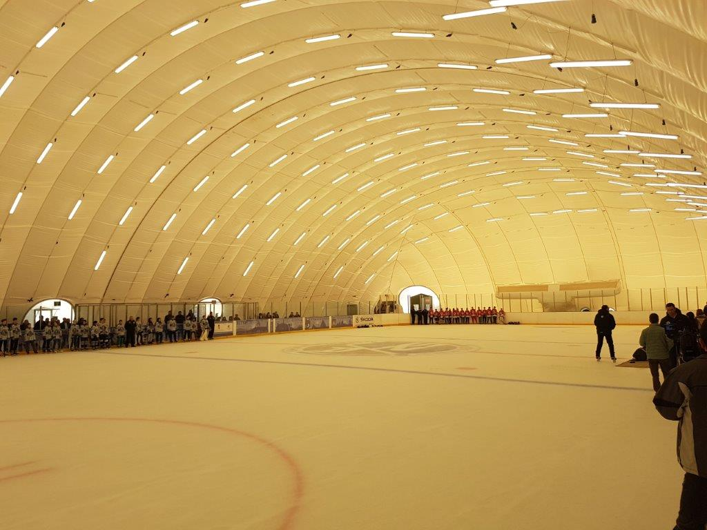6.Miercurea Ciuc-patinoar sezonier mobil, in cort, pentru hochei, artistic, agrement